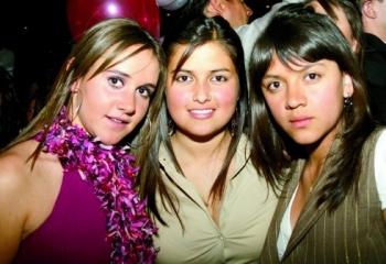 Isabel Budib, Mariel Martagón y Paola Díaz.  -  - Puebla