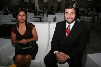 Ofelia Romero y Yamil Yitani.   -  - Puebla