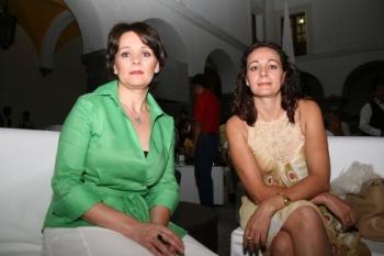 Maité García-Golzarri y Aranzazú García-Golzarri.   -  - Puebla