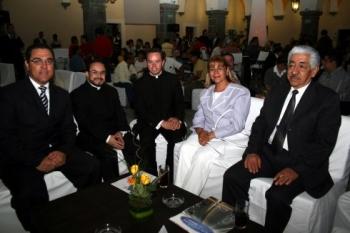 Gabriel Aguilar, Padre Eugenio Lira, Padre Carlos  Franco, Silvia Tanus y Octavio Mercado.   -  - ...