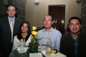 Carlos Acevedo, Verónica Olivari, Abdiel Cervantes y René Sánchez.   -  - Puebla