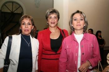 Claudia Cervantes, Mary Paz Peña y Gabriela Pastor.  -  - Puebla