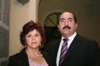 Gabriela Barueta y Jesús Romero. -  - Puebla