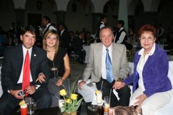 Roberto Báez, Lupita Dena, Fernando Fest y Connie de Fest.  -  - Puebla