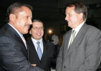 Enrique Agüera, rector de la BUAP, Enrique Doger Guerrero, presidente municipal de Puebla, y José An...